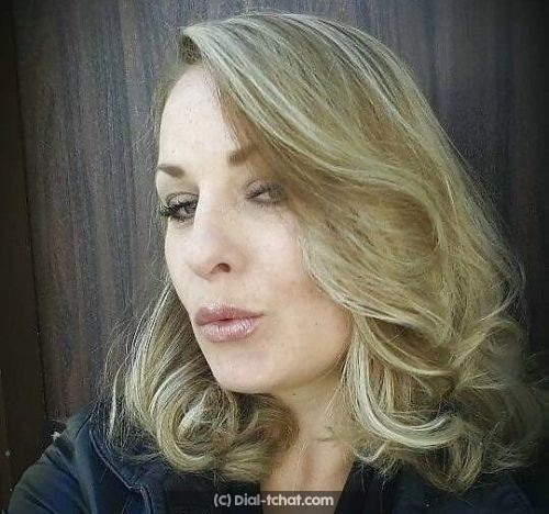 Jolie blonde a Aix en Provence sur le tchat gratuit