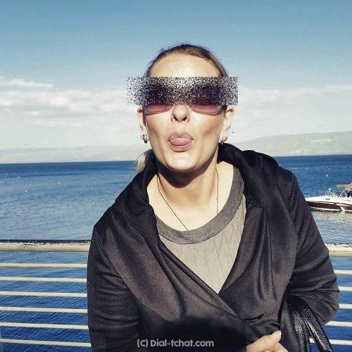 Yulia, femme russe a Cannes cherche contacts