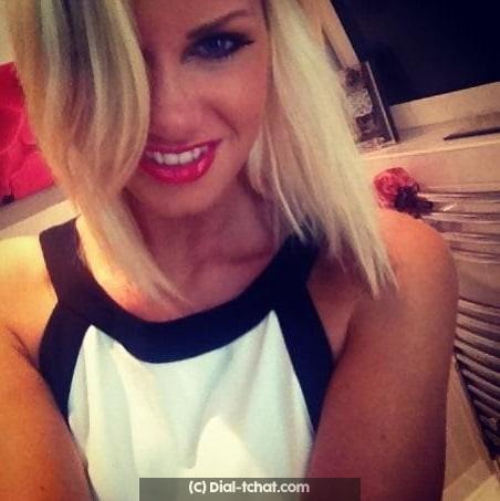 Nana blonde de Corse cherche un bon plan cul